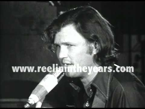 "Kris Kristofferson ""Me & Bobby McGee"" 1970 (Reelin' In The Years Archive)"